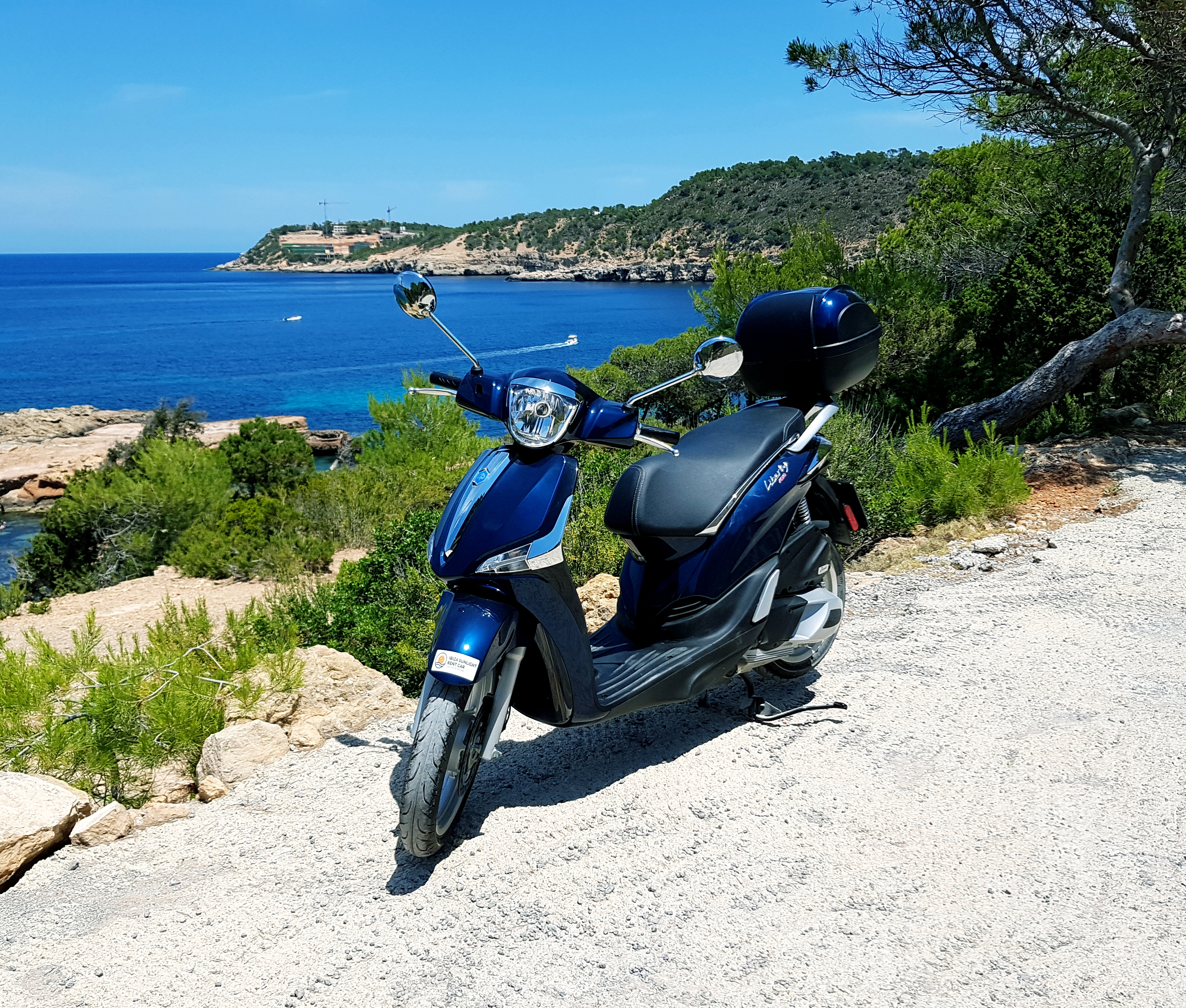 Turbo Scooter Rental Ibiza: Scooter 125 Cm3